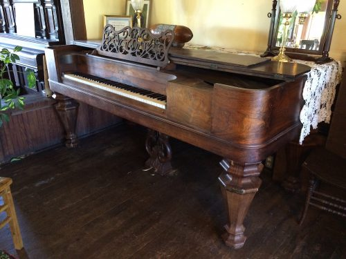 Piano shipped around Cape Horn in Tokeland Hotel